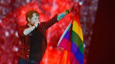 Ed Sheeran closes Glastonbury 2017