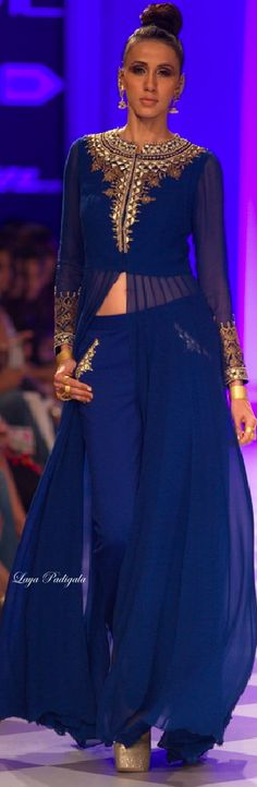 Unique Navy Outfit by Anita Dongre Fall/Winter Lakme Fashion Week Lakme Fashion Week, India Fashion, Ethnic Fashion, Asian Fashion, Pakistani Dresses, Indian Dresses, Indian Outfits, Indian Attire, Indian Wear