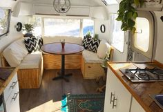 Awesome 85 Travel Trailers Interior Ideas for Full Time RV Living https://decorapatio.com/2017/09/22/85-travel-trailers-interior-ideas-full-time-rv-living/