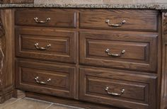Glenmore cabinet pulls from Jeffrey Alexander by Hardware Resources. (718-128BNMDL shown in use)