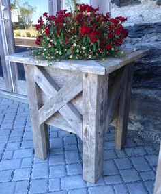 Coastal planter Custom Decks, Custom Wood, Wood Patio Furniture, Deck Chairs, Furniture Making, Entryway Tables, Coastal, Planters, House