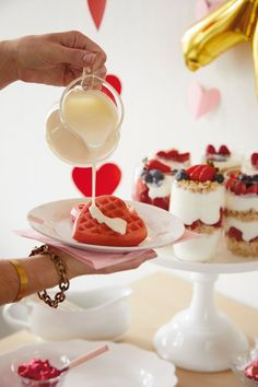 Bookmark this for an epic step-by-step how-to for throwing your own Galentine's Day party for all of your favorite gal pals! | Valentine's Day Party Ideas | Valentine's Day Brunch Ideas
