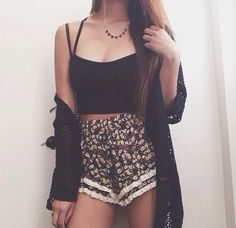 Black Loose Cardigan. Black Spaghetti Crop Top. High Waist. Floral And Lace Shorts.