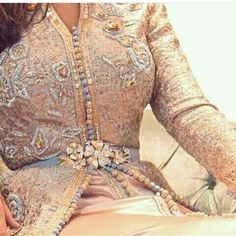 follow: @caftan_maroc_10m plz follow:@trendy_hijab_fashion . . . . . . . . . #العروس #المغربية #جلابة #كندورة #مغربيه #مغرب #المغرب #السعودية #جبادور #cool #caftan #king #happy #hautecouture #modele #jellaba #jelaba #djellaba #usa #8 #fashionista #fashion#top #collection #winter #mylook #دنيا_بطمه #اسود_الاطلس #كاس_العالم