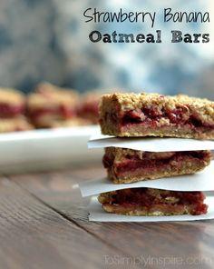 Strawberry Banana Oatmeal Bars - No refined sugar and all natural ingredients! Perfect healthy snack!Strawberry Banana Oatmeal Bars 1-1