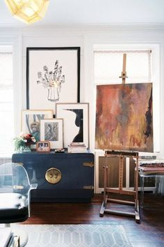 Love this quirky arty room.