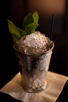 How to Make the Perfect Mint Julep  YUM! These will knock your legs out from under you. Great for hot days.