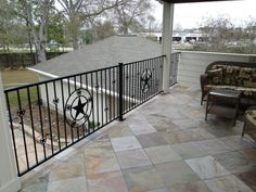 floor-patio-deck-design-ideas-with-flagstone-pavers-and-armchairs-plus-square-small-table-also-iron-railing-and-sloping-ceiling-beautiful-flagstone-pavers-for-patio-flooring-ideas-680x510.jpg (680×510)