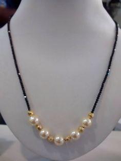 Beaded Jewelry Designs, Gold Earrings Designs, Gold Jewellery Design, Bead Jewellery, Jewelry Patterns, Gold Jewelry, Gold Necklace Simple, Beaded Necklace, Fancy