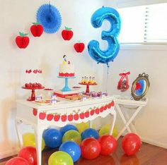 Tanya C's Birthday / Snow White - Snow White Party at Catch My Party 3rd Birthday Parties, Birthday Party Decorations, Snow White Outfits, Snow White Cake, Snow White Birthday, Snow White Disney, Disney Princess Party, Childrens Party, First Birthdays