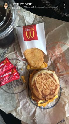 Favorite thing to get at McDonalds. Junk Food Snacks, Mouth Watering Food, Food Goals, Restaurant Recipes, Aesthetic Food, Desert Recipes, Food Cravings, Love Food, Yummy Food