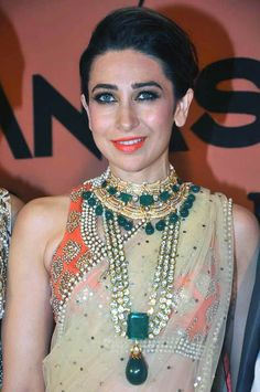 Karisma Kapoor #Bollywood #Style #Fashion simple saree with a bright blouse/pearl work