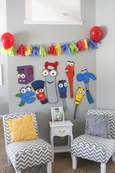 "Painted ""toddler-size"" tools from Handy Manny. we projected the tools on a… Happy Birthday Baby, 3rd Birthday Parties, Birthday Party Decorations, Birthday Ideas, Foam Stamps, Baptism Party, Boy Room, Holidays And Events, Construction Area"