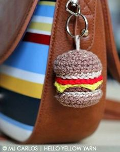 Cheesburger Keychain - free crochet pattern and Videotutorial