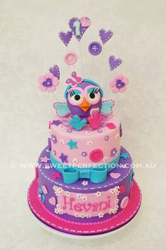 Hootabelle Twin Birthday Cakes, Owl Cakes, Donut Party, Cake Decorating Tips, Cute Cakes, Birthday Parties, Birthday Ideas, Cupcake Toppers, First Birthdays