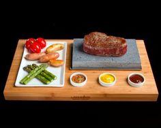La mejor forma de presentar y preparar tu filete y carnes a la piedra. Glass & Service suministros hosteleros