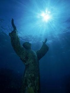 Christ of the Abyss, Pennekamp State Park, FL Keys Christ Of The Abyss, Fl Keys, Travel Sights, Life Aquatic, Gif Animé, Once In A Lifetime, Underwater Photography, Religious Art, Under The Sea