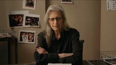 In her first-ever online class, award-winning photographer Annie Leibovitz teaches her process for working with light, creating concepts, and finding your po. Street Photography, Portrait Photography, Fashion Photography, Landscape Photography, Wedding Photography, David Lachapelle, Martin Parr, Annie Leibovitz Photography, Interview Style
