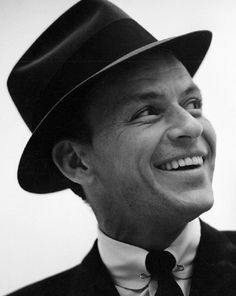 Frank Sinatra (re-pinned) Can't help it. Love a smile!