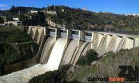 La presa de Miranda Do Douro alivia agua ante la inminente llegada de más caudal