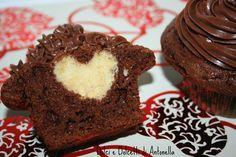Ricetta muffin al cioccolato con cuore di San Valentino