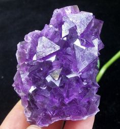 80g Aesthetic octahedron Purple Fluorite cluster mineral specimen China 1647 #UnbrandedGeneric