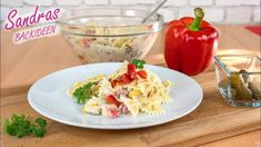 Nudelsalat mit Schmand und Joghurt - Rezept von Sandras Backideen Potato Salad, Pasta, Potatoes, Eggs, Chicken, Meat, Breakfast, Ethnic Recipes, Kollektiv