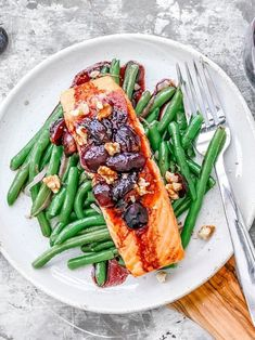 Did you snag your first box of this week? Incorporate those sweet little gems into every meal to get the most out of the grapey-est Grape Recipes, Pan Seared Salmon, Meals, Chicken, Sweet, Food, Candy, Meal, Yemek