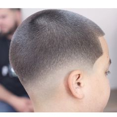 The top short hairstyles for men for the year 2018 are eye-catching and somewhat sophisticated. Today the short mens hairstyles have become particularly. Shaved Pixie Cut, Shaved Hair Cuts, Short Hair Cuts, Try On Hairstyles, Short Hairstyles For Women, Haircuts For Men, Textured Haircut, Haircut Designs, Hair Today