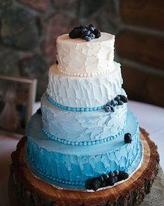 Свадебный торт нежно-голубого цвета на подносе из натурального дерева Decorating Tips, Cake Decorating, Traditional Cakes, Cool Wedding Cakes, Cake Servings, Wedding Receptions, Birthday, Desserts, Food