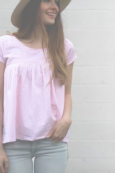 Easy gathered girly top tutorial. Love it. Would like it in a tank top. maybe even in jersey. Make your own pattern