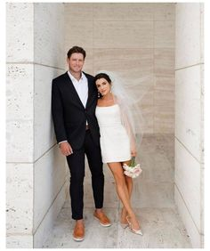 Mini Wedding Dresses, Wedding Dress With Veil, Short Wedding Veils, Wedding Looks, Bridal Looks, Dream Wedding, Wedding After Party, City Hall Wedding, Courthouse Wedding Dress