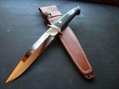bob loveless Swords And Daggers, Knives And Swords, Loveless, Samurai Swords, Sticks And Stones, Fixed Blade Knife, Tool Steel, Custom Knives, Damascus Steel
