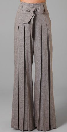love . Super long trousers with pleats and bow........I am so in love with these trousers!