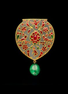 early 17th century White nephrite jade, set with rubies and emeralds in gold using the kundan technique VA Collection