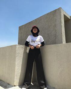 Modern Hijab Fashion, Korean Girl Fashion, Street Hijab Fashion, Hijab Fashion Inspiration, Muslim Fashion, Casual Hijab Outfit, Casual Outfits, Modest Outfits Muslim, Outfits With Hats