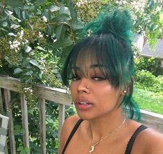 I miss my green hair 💚 Dyed Natural Hair, Dyed Hair, Wavy Hair, Baddie Hairstyles, Pretty Hairstyles, Curly Hair Styles, Natural Hair Styles, Hair Laid, Aesthetic Hair