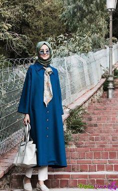 Muslim Women Fashion, Modern Hijab Fashion, Abaya Fashion, Modest Fashion, Fashion Dresses, Women's Dresses, Casual Dresses, Estilo Abaya, Modele Hijab