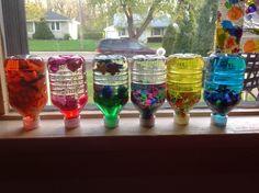 Le pitchoune a realise (avec mon aide) des bouteilles sensorielles pour ses collegues bebes a l'ecole Little House Montessori 0-3 ans :) I...