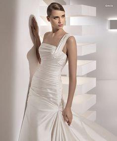 Pronovias Grecia Bridal Gown