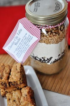 Mel's Kitchen Cafe | Chocolate Chip Toffee Blondie Mix in a Jar with Free Printable Tag {Sugar Rush Gift Edition #2}