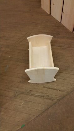 Wooden pine cradle
