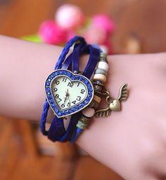 Relógio vintage coração em couro sintético azul com cristais