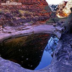 Pozza d'acqua verso Cathedral Gorge. Da queste ...