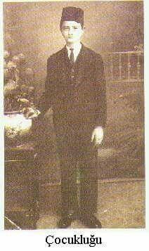 Atatürk ün çocukluk fotoğrafı -ilk kez görüyorsunuz - Aynı dik duruş aynı asalet