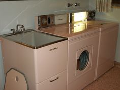 Getting a vintage Homart laundry sink exactly like this one!! So cute
