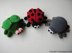Crochet Bugs Purse by skymagenta, Crochet Gifts, Crochet Toys, Crochet Baby, Knit Crochet, Ravelry Crochet, Bugs, Crochet Motifs, Crochet Patterns, Crotchet Animals