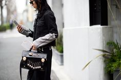 The Best Street Style From Mercedes-Benz Fashion Week Tokyo Tokyo Street Style, Street Style Blog, Street Style Trends, Autumn Street Style, Street Chic, Street Style Women, Tokyo Fashion, Cool Street Fashion, Asian Fashion