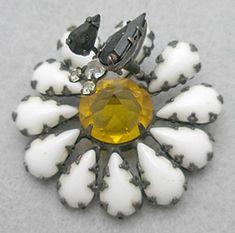 Schreiner Trembler Flower with Bug Brooch - Garden Party Collection Vintage Jewelry
