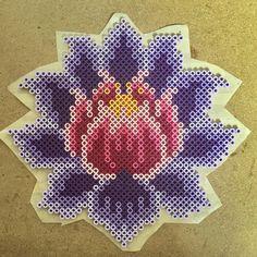 fleurs-de-lotus-perles-a-repasser-hama